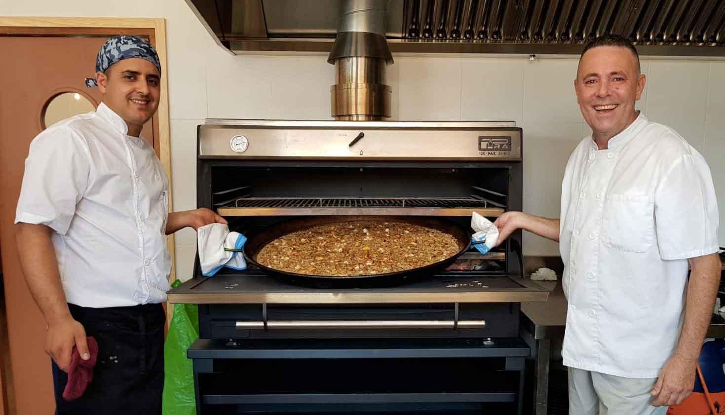 forno a carbone cottura paella
