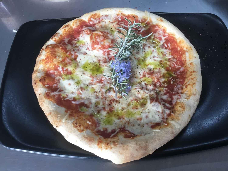 Pira cucina anche la pizza